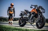 KTM 790 Duke 2018 — один из претендентов на звание лучшего мотоцикла мотошоу EICMA 2017