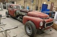 Старенький Volvo оснастили 38,8-литровым мотором от мостоукладчика
