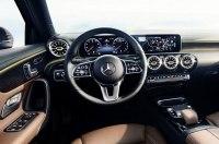 Mercedes рассекретил интерьер нового A-Class