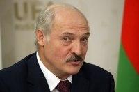 """Бацька"" разогнался на Tesla: Лукашенко провел тест электрокара"