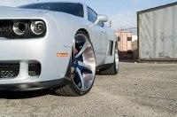 Dodge Challenger SRT получил эффектную «обувку»