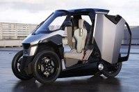 Peugeot и Citroen построили «кренящийся» трехколесный гибрид