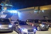Автомобилям Jaguar Land Rover устроили патриотическую фотосессию