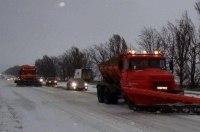 Из-за непогоды в трех областях Украины ограничили движение транспорта