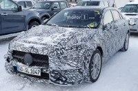 Mercedes впервые вывел на тесты гибридный A-Class нового поколения