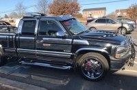 Безумный тюнинг: Chevrolet Silverado с обилием хрома и спойлеров
