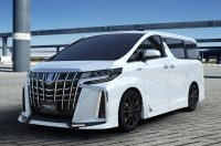 Минивэн Toyota Alphard после тюнинга стал еще злее