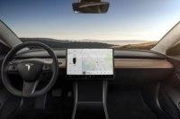 В 2018 году электрокары Tesla получат новую навигацию