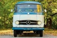 Ретро-микроавтобус Mercedes-Benz O 319 продают за $200 000