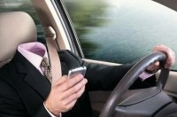 Разговоры по мобильному «приравняли» к вождению в нетрезвом виде