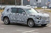 Mercedes-Benz вывел на тесты новый компактный кроссовер