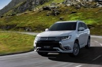«Посвежевший» гибрид: Mitsubishi обновила кроссовер Outlander PHEV