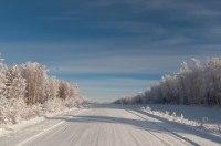 В Запорожье в «снежной ловушке» оказались фура и карета скорой медпомощи