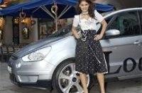 Тюнеры подчеркнули сексуальность Ford S-Max с помощью модели Playboy