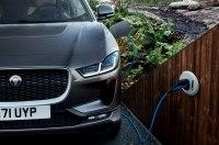 Объявлены украинские цены на полностью электрический кроссовер Jaguar I-Pace.