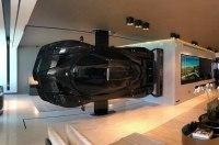 Суперкар Pagani стал частью декора гостиной комнаты