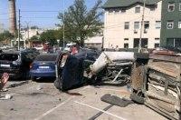 В Днепре фура без тормозов протаранила 13 машин и убила человека