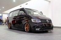 Volkswagen Transporter превратили в стильный кемпер