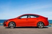 Появились фото обновлённого седана Hyundai Elantra