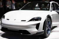 Porsche разрабатывает концепт Cross Turismo E