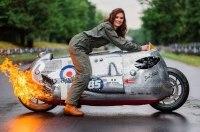 Мотоцикл под вдохновением самолета - кастом на базе BMW R1200R