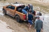 Nissan помогает добровольцам очистить европейские пляжи от пластикового мусора