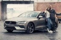 Volvo нарисовал портрет современной семьи в рекламе V60