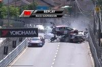 Гонка закончилась пробкой из разбитых машин сразу после старта