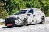 Новую модель Renault уже видели на дороге