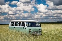 UAZ сделал юбилейную двухцветную «Буханку» с единым ключом