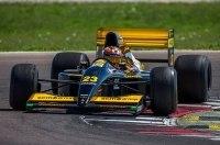 Lamborghini впервые за 26 лет вернула на трек болид Формулы-1 Minardi