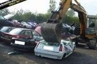Британские полицейские уничтожили 10 тыс. негодяйских авто