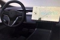 Tesla изменит интерьеры своих электрокаров