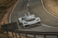 Супергибрид Mercedes-AMG Project One приблизили к серии