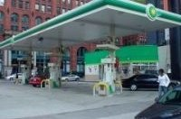 BP продает все свои круглосуточные заправки в США