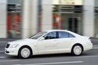 Mercedes-Benz представил гибридный флагман S400 BlueHYBRID
