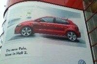 Новый VW Polo появился на рекламных афишах