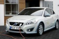 Volvo начинает продажи электрического C30