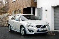 Volvo работает над безопасностью электромобиля