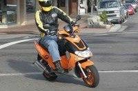 ГАИ оденет скутеристов в шлемы штрафами