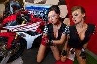 Девушки и мотоциклы на выставке Мото Парк 2013