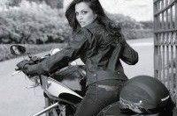 Мотоциклистки чувствуют себя сексуальней, уверенней и счастливей
