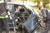 ДТП в ровенской области: Volkswagen Passat врезался в дерево - погиб пассажир