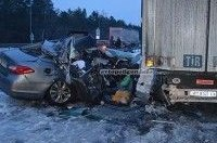 В ровенской области Infiniti врезался в грузовик - погибли два человека