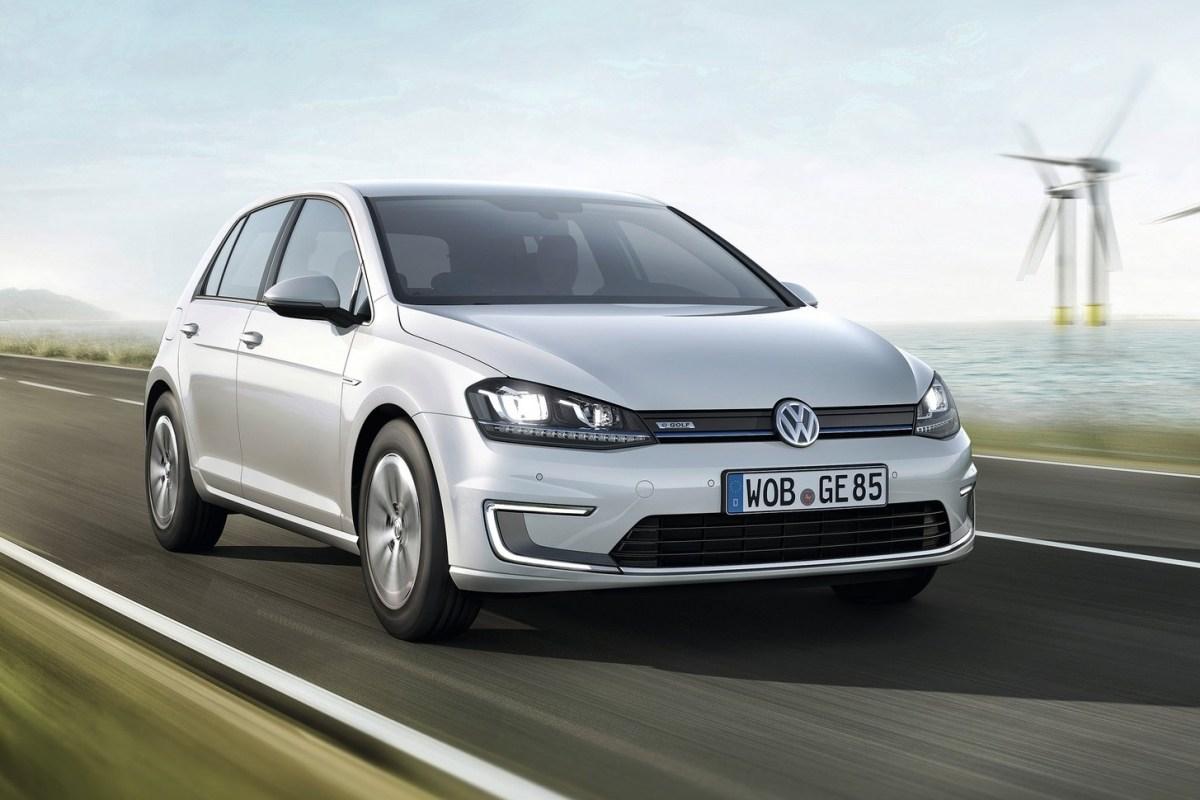 Тест-драйв Volkswagen Golf: VW e-Golf. Учимся заряжать электромобиль