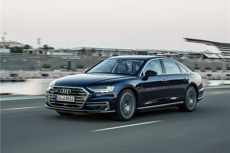 Тест-драйв Ауди А8: Audi A8 научился ездить без водителя