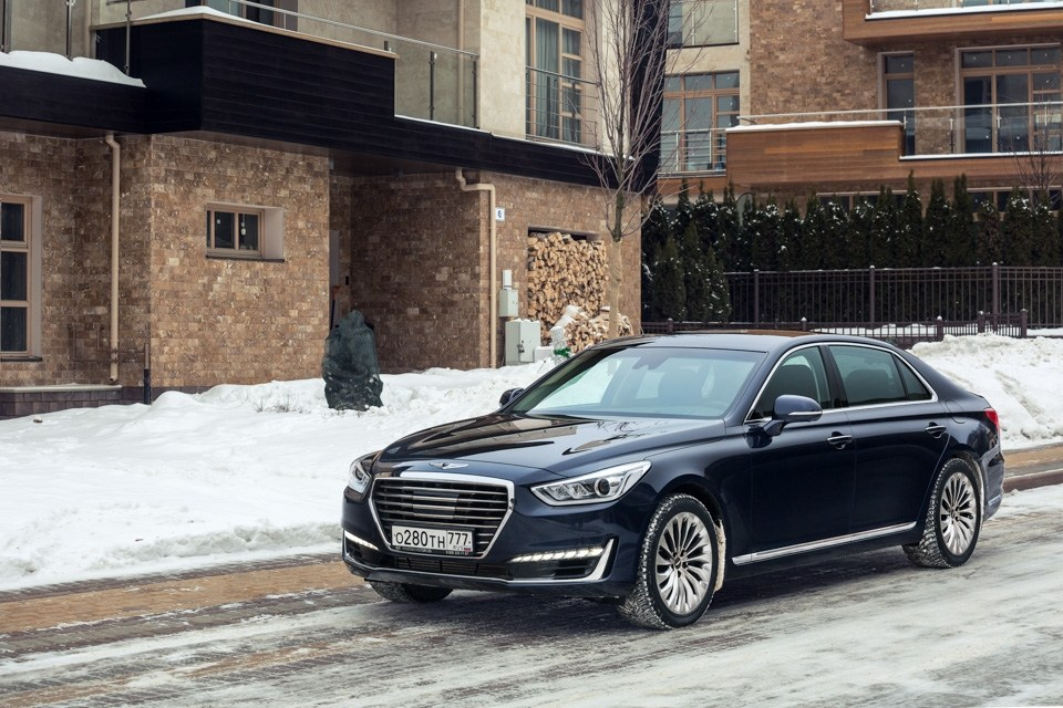 Тест-драйв Hyundai Genesis: Сила G