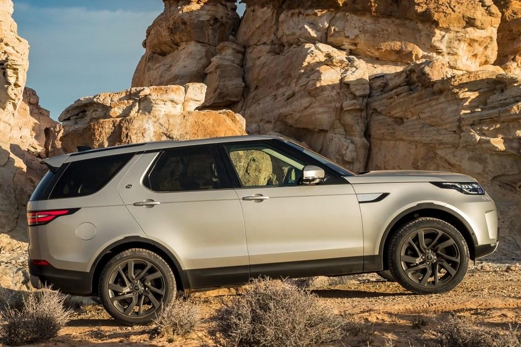 Тест-драйв Land Rover Discovery: Discovery 5 - семейный, универсальный.