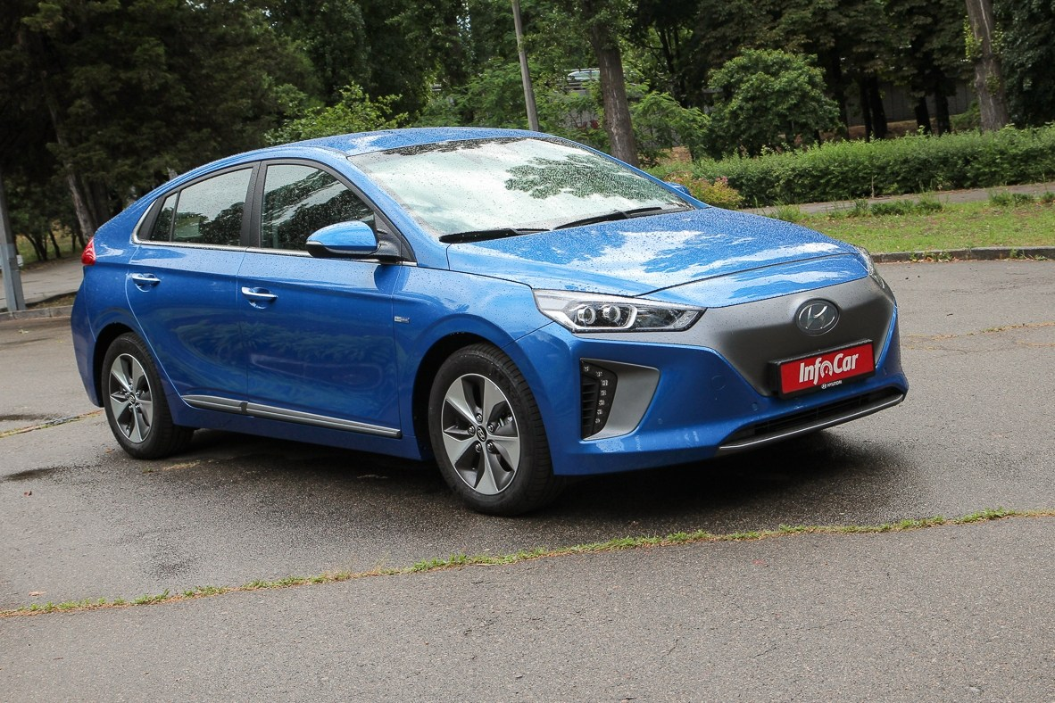 Тест-драйв Hyundai IONIQ: Hyundai IONIQ electric. Новенький