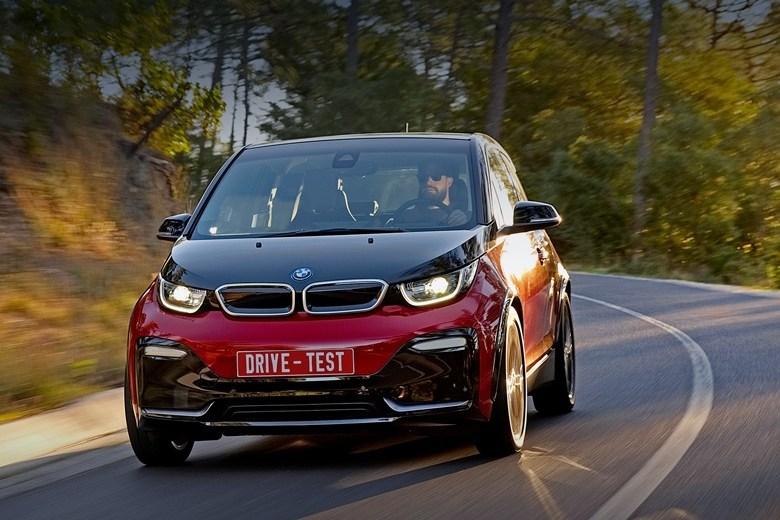 Тест-драйв БМВ i3: Думаем о тёплых странах в озорном электрокаре BMW i3s